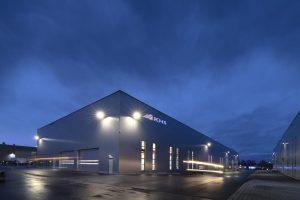 Das neue Fabrikgebäude ist zentraler Bestandteil der Modernisierungsmaßnahmen am Standort Dortmund. (Bildquelle: KHS)