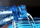 """Im DFG-geförderten Projekt """"PECVD-Gasbarrierebeschichtung von PET-Mehrwegflaschen"""" arbeitet das IKV zusammen mit der KHS Corpoplast daran, den Mehrweganteil bei Kunststoffflaschen zu erhöhen. (Bildquelle: congerdesign)"""
