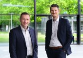 Christopher Boss (rechts) ist neuer Leiter der MedtecLIVE. Er übernimmt diese Aufgabe von Alexander Stein (links). (Bildquelle: Nürnberg Messe)