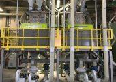 Dir Multi-Sensorsortiersysteme separieren in der Recyclinganlage Fehlfarben, Fremdkunststoffe und Metalle aus den Kunststoff- Flakes aus. (Bildquelle: Sesotec)
