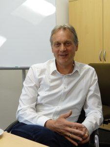 Christof Schenkel leitet den Vertrieb von Duo Plast in Deutschland. (Bildquelle: Simone Fischer/Redaktion Plastverarbeiter)