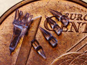 Projektil-Implantat aus bioresorbierbarem Polymer. (Bildquelle: Lametec/KUZ)