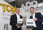 Frank Brunnecker und Holger Aldebert (v.l.) freuen sich über den deutschen Mittelstandspreis Top 100.  (Bildquelle: Evosys Laser/Kurt Fuchs)