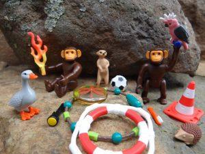 Eine kleine Auswahl an mehrkomponentigen Artikel des Spielwarenherstellers. (Bildquelle: Simone Fischer/Redaktion Plastverarbeiter)