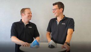Alexander Brock und Christian Becht (vlnr) von Cirp präsentierten den Bereich additiven Fertigung und Spritzguss. (Bildquelle: Innonet, Cirp)
