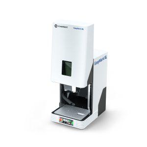 """Mit der Auswahl an Optionen kann das Lasermarkiersystem von der """"Low-Tech""""-Kennzeichnung von Tierohrmarken aus Kunststoff über das Aufbringen von Codes auf medizinischen Geräten aus Edelstahl bis hin zum Tiefengravieren von Gussformen und Stempeln genutzt werden. (Bildquelle: Coherent)"""