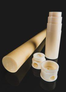 Das Anwendungsspektrum für Bauteile aus den extrudierten Vollstäben ist groß: Bauteile mit sehr hohen Betriebstemperaturen und Pumpenkörper mit exakter Maßhaltigkeit sind ebenso denkbar wie Zahnräder, Thermostatgehäuse und Gleitschienen. (Bildquelle: BASF)
