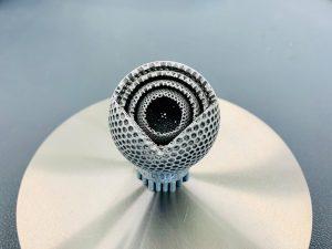 Die additive Fertigung erlaubt die präzise Herstellung dreidimensionaler Strukturen in einem einzigen Arbeitsgang. (Bildquelle: IPA/Uni Bayreuth/Foto: LUP)
