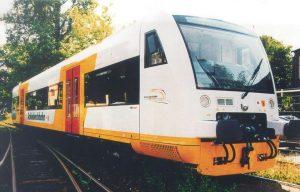 Der Regio Shuttle ist durch Faserverbundkunststoffe und Klebtechnik 25 Prozent leichter. (Bildquelle: Stadler Bussnang)