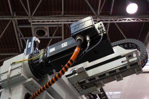 Die Servoantriebe sorgen im XYZ-Portal von Ilsemann Automation für koordinierte Bewegungen. Im Bild: der Motor für eine Achse des Entnahmesystems.