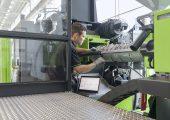 Der Abrieb an den Stegen der Plastifizierschnecke ist die häufigste und für die Qualität des Spritzgießprozesses wichtigste Verschleißart. Die Condition-Monitoring-Lösung ermittelt den Zustand der Schnecke, ohne die Plastifiziereinheit demontieren zu müssen. (Bildquelle: Engel)