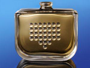 Der transparente Klebstoff erzielt durch seinen leichten Vergrößerungseffekt ein hochwertiges Erscheinungsbild der darunter befindlichen Strukturen und Bilder. (Bildquelle: Panacol)