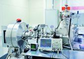 Am Institut wurde ein Laborsystem für die EUV-Bearbeitung von Wafern mit bis zu 100 mm Durchmesser aufgebaut. (Bildquelle:  Fraunhofer ILT)