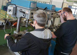 Am Ende der schrittweisen Qualifizierung steht der staatlich anerkannte Berufsabschluss des Verfahrensmechanikers für Kunststoff- und Kautschuktechnik. (Bildquelle: Continental)