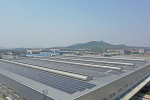Projektphase I hat eine photovoltaische Gesamtkapazität von 1.918 Megawatt und wird voraussichtlich 1,8 Millionen Kilowattstunden pro Jahr erzeugen. (Bildquelle: Continental)