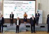 Bundesministerin Svenja Schulze und Bundesminister Peter Altmaier mit Vertreterinnen und Vertretern der Wirtschaft am 14.09.2020 im Bundesministerium für Wirtschaft und Energie in Berlin (Bildquelle: BMWi)