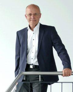 Der neue Vorstandsvorsitzende des Fachverbandes Oberflächentechnik im VDMA Sebastian Merz. (Bildquelle: b+m)