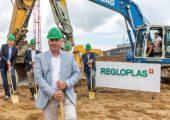 """""""Mit dem Spatenstich startet die Umsetzung der geplanten Smart Factory"""", so Christian Eckert, CEO. (Bildquelle: Regloplas)"""