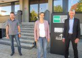 Projektleiter Lins, Geschäftsführerin Katharina Rhomberg (beide Fries) und Oswald Wolf  von Software Lotse (v.li.). (Bildquelle: Software Lotse)