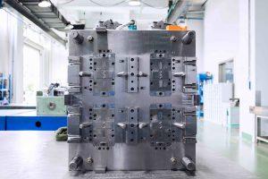 Der Werkzeugbauer hat sich auf das Herstellen anspruchsvoller Spritzgießformen spezialisiert. (Bildquelle: Kistler)