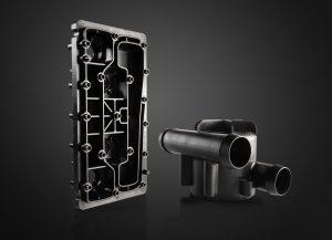 Das PPA wird in mehreren Bauteilen des neuen 45-kW-Brennstoffzellenmotors, beispielsweise im Medienverteiler und Thermostatgehäuse, eingesetzt. (Bildquelle: BASF)