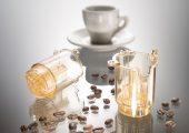 Ein Haushaltsgerätehersteller verwendet das Polyethersulfon zur Herstellung des oberen Teils der Brüheinheit in seiner neuen Kaffeemaschine. Das Material trägt zur Langlebigkeit der Kaffeemaschine bei. (Bildquelle: BASF)
