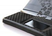 Im Schaumspritzguss (Foammelt) produzierte Bauteile sind im Vergleich zum Kompaktspritzgießen um rund 20 Prozent leichter. Auch für hochwertige Sichtbauteile finden zunehmend Schäumverfahren Einsatz. (Bildquelle: Engel)