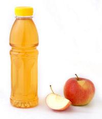 Sämtliche Einweg-Kunststoffgetränkeflaschen und Getränkedosen sollen künftig pfandpflichtig sein – auch Kunststoffflaschen,die Milch, Trinkjoghurt, Frucht- und Gemüsesäfte oder alkoholische Getränke enthalten. (Bildquelle: IK)