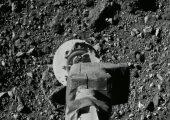 Für die Osiris-Rex-Mission lieferte Berghof mehrere Meter Folie aus schwarzem optischem PTFE. (Bildquelle: Nasa/Goddard/University of Arizona)