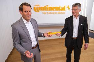 Aufsichtsrat ernennt Nikolai Setzer (49) zum neuen Vorsitzenden des Vorstands mit Wirkung ab 1. Dezember 2020 Er folgt auf Dr. Elmar Degenhart, der sein Amt wie bereits mitgeteilt aus gesundheitlichen Gründen vorzeitig niederlegt. (Bild: Continental)