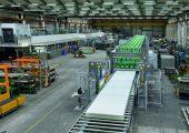 Blick in die Montagehalle des Herstellers von Schneid- und Spaltmaschinen für Gummi und Kunststoff Fecken-Kirfel, der sein 150jähriges Jubiläum feiert. (Bildquelle: Fecken-Kirfel)