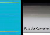 Querschnitt eines Kraftstofftanks, hergestellt im Extrusionsblasverfahren. Die Schichten bestehen aus (von oben nach unten) einer PE Schicht mit Kohlenstoff versetzt, einer PE Schicht mit Kohlenstoffrückständen, einer EVOH Barriereschicht und einer abschließenden PE Schicht. (Bild: IKT)