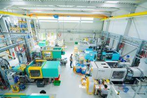 Auf dem Maschinenparkten werden 1K-Silikonbauteile mit Gewichten von 1 bis max. 200 g und 2K- bis 5K-Teile gefertigt. (Bild: Antech Polymertechnik)