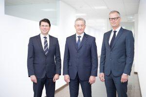 Der neue Vorstand der Wirthwein AG zum 1. Januar 2021: Dr. Ralf Zander (Finanzen), Marcus Wirthwein (Vertrieb und Sprecher des Vorstandes) und Holm Riepenhausen (Technik). (Bild: Wirthwein)