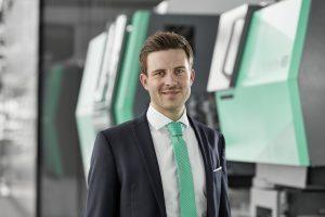 """""""Die Themen Energie-, Ressourcen- und Produktionseffizienz werden für die Kunststoffverarbeiter aber auch für uns als Hersteller der Spritzgießmaschinen immer bedeutender"""", berichtet Bertram Stern, Packaging and Circular Economy Manager bei Arburg. (Bild: Arburg)"""