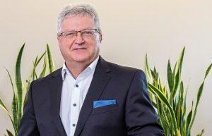 Helmut Möckel gibt die kaufmännische Leitung an Droescher ab. Bild: Kläger)