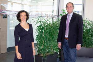 Valentina Faloci und Wolfgang Roth sehen großes Potenzial in der neuen Vertriebsstruktur. (Bild: Wittmann Battenfeld)