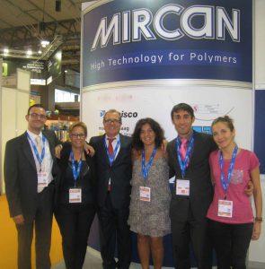 Das Team von Mircan, dem neuen Partner von Ettlinger für den Vertrieb von Hochleistungsschmelzefiltern auf der Iberischen Halbinsel.  Anm.: Dieses Bild stammt aus der Vor-Corona-Zeit. (Bild: Mircan)
