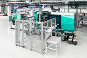 Mit modernen Fertigungstechnik produziert der Kunststoffverarbeiter die Applikatoren und Behälter. (Bild: Cosmed)