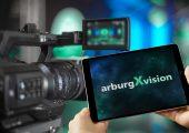 Mit seinem neuen Digital-Format ArburgXvision startet das Unternehmen am 28. Januar 2021 – danach geht es im monatlichen Rhythmus weiter. Bild: Arburg