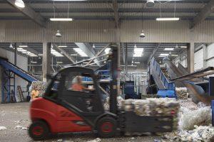 Bis 2025 investiert die Gruppe jedes Jahr durchschnittlich 50 Mio. Euro in den Ausbau und die Internationalisierung der Recyclingaktivitäten. Bild: Alpla)