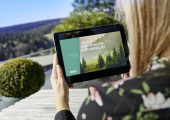Der erste Nachhaltigkeitsbericht von Arburg liegt als interaktives Dokument auf der Website zum Durchklicken bereit und ist somit selbst nachhaltig. (Bild: Arburg)