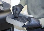 Das Mahlgut wird vor der Extrusion des Filaments getrocknet. (Bild: IPH)