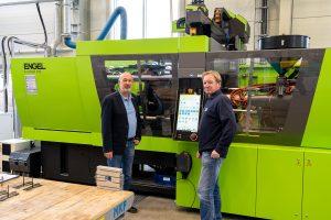 Eine 160 t Spritzgussmaschine zum Verarbeiten von Duroplasten hat Engel für die Aus- und Weiterbildung dem SKZ zur Verfügung gestellt. (Bild: SKZ)