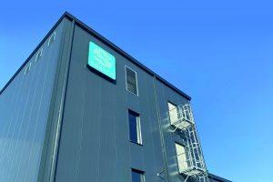Mehr Kapazitäten mit moderner Ausstattung im neuen Produktionsgebäude der Sortco. (Bild: Sortco)