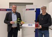 Dieter Jackel (links), deutschlandweiter Vertrieb Airmould-Technologie, und Michael Halbfas, Airmould Produktmanager bei Wittmann Battenfeld Deutschland