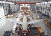 In der Luftfahrt – im Bild die Produktion eines A320 Flugzeugs – werden immer mehr Bau- und Ersatzteile additiv gefertigt. (Bild: Airbus)