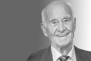 Prof. Dr. Dr. Georg Menges, ehemaliger Leiter des IKV und Pionier der Kunststofftechnik, ist im Alter von 97 Jahren verstorben. (Bild: IKV)