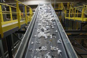 Die Sortieranlage stellt laut Betreiber das Herzstück des Recyclingcenters dar. (Bild: SL Recycling)