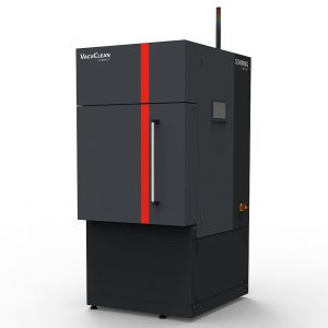 Das kompakte und vollautomatische Vakuumpyrolyse-System eignet sich insbesondere für die thermische Kunststoffentfernung kleinerer Werkzeuge bis zu einer Beladekapazität von maximal 50 Kilogramm Teilegewicht. Dazu zählen auch kleine Metall-Düsen und -Düsenringen für die Herstellung von Einweg-Kunststoffspritzen.  (Bild: Schwing Technologies)